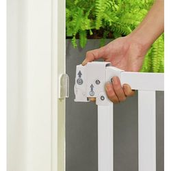 Safety1st Simply Swing wooden gate. Вид 2